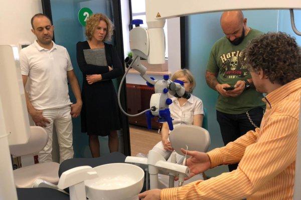 В стенах клинике прошел мастер-класс по работе с новейшим микроскопом Carl Zeiss