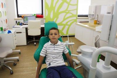 молочные зубы лечение